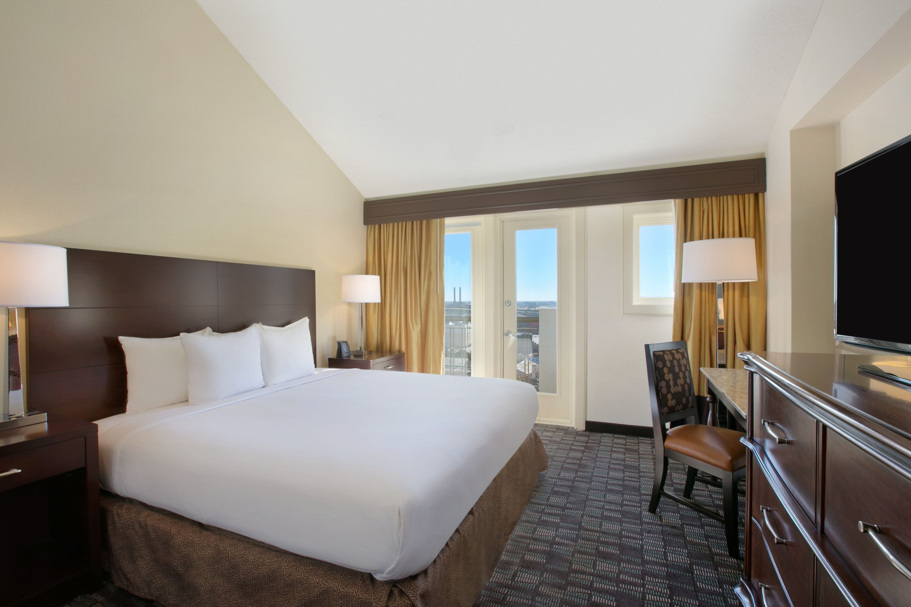 New Orleans Hotel Suites 2 Bedroom Watch More Like Embassy Suites New Orleans